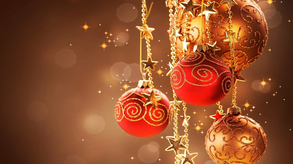 Buy your Christmas decorations online