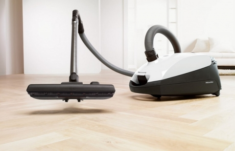 What You Should Choose an Upright or Canister Vacuum Cleaner Picture