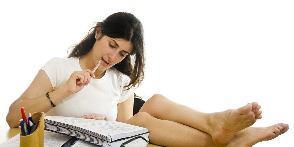 Aspects to consider before choosing essay writing services