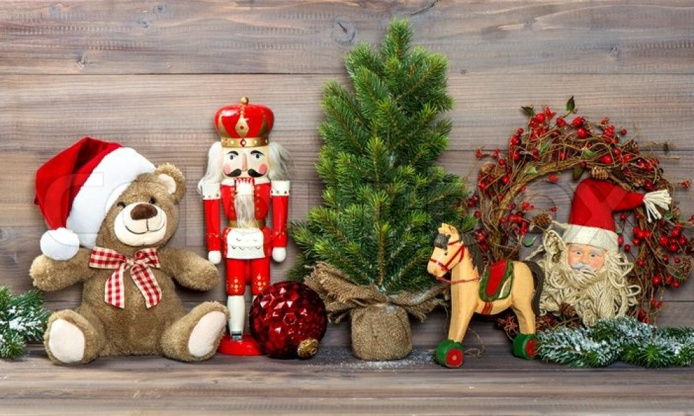 Choose a vintage theme for Christmas decorations