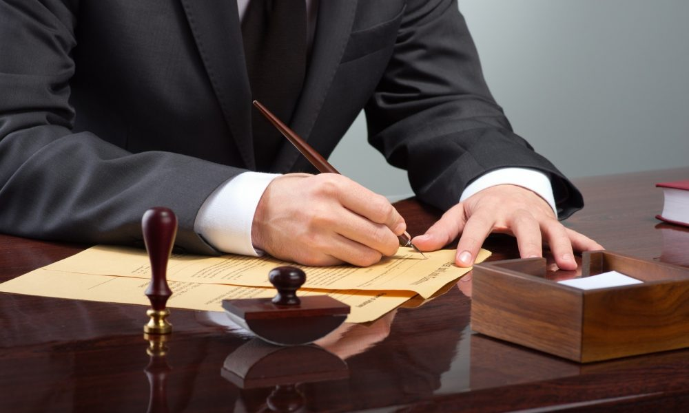 Mistakes people make when looking for a divorce attorney